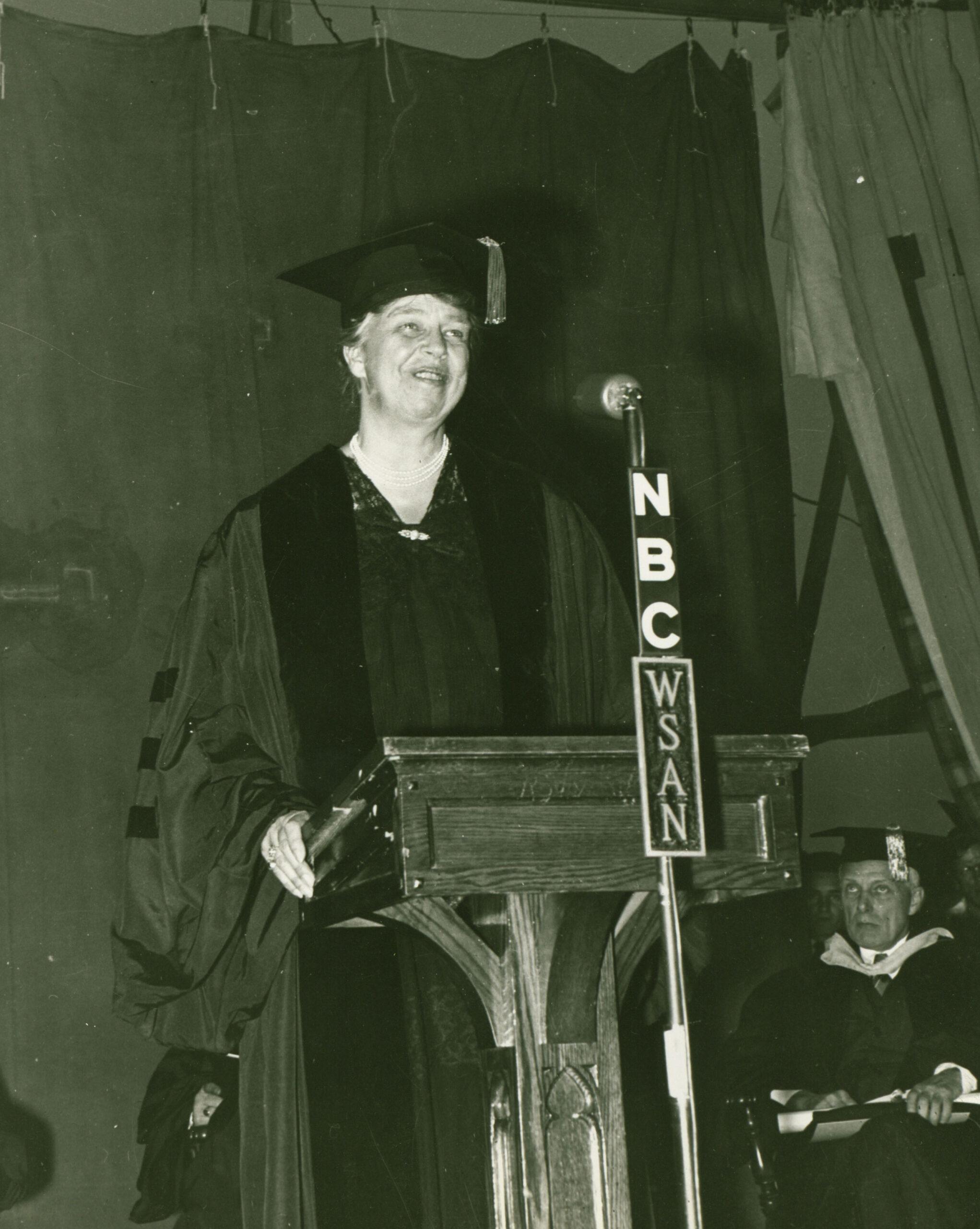 Eleanor Roosevelt makes a speech at Muhlenberg, 1942